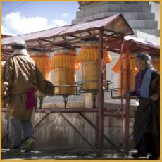 Tibet, prayer wheels
